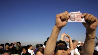 En 2010 los mexicanos destinaron $2,750 millones en sobornos, en tanto...