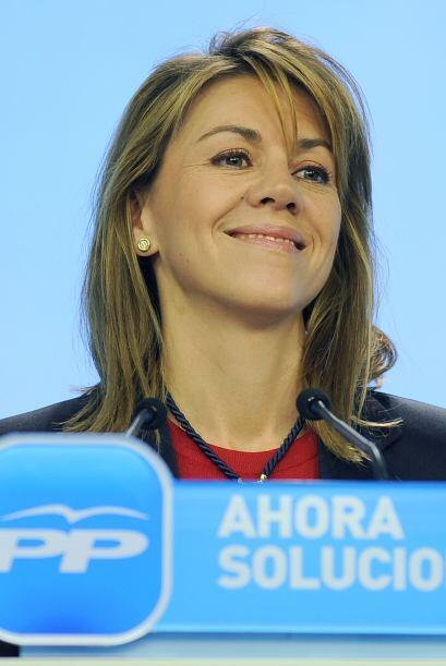 La secretaria general del Partido Popular (PP), María Dolores de...
