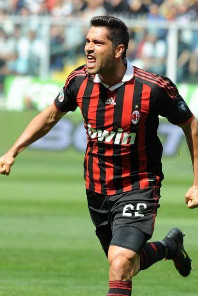 Marco Borriello puso en ventaja a los 'rossoneri' desde la primera parte.