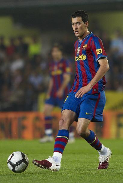 Acompañando a Piqué en la defensa estará Sergio Busquets, Aunque Puyol f...