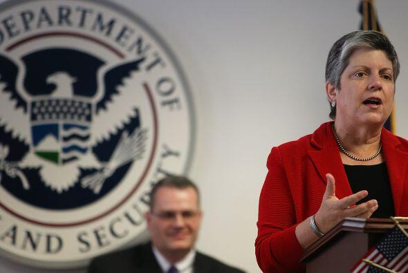 La secretaria de Seguridad Nacional, Janet Napolitano, habla durante una...