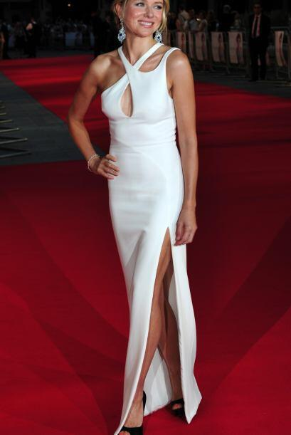 La que nos arrancó más de mil suspiro fue Naomi Watts y este sensual ves...