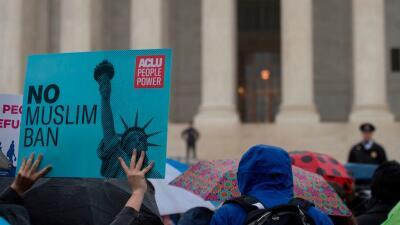Protesta contra el veto migratorio frente a la Corte Suprema de Justicia...