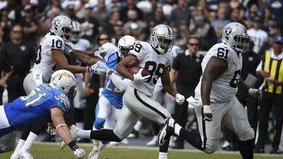 Raiders 37-29 Chargers: Carr y Cooper arrasaron con la defensiva de San...