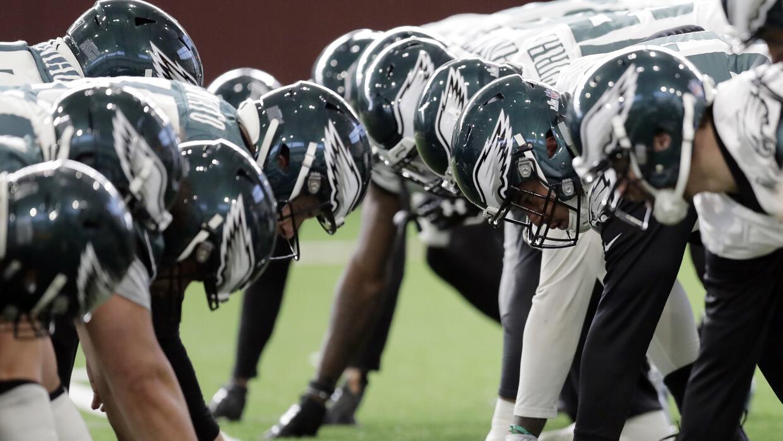 Jugadores de los Philadelphia Eagles en las prácticas para el Super Bowl
