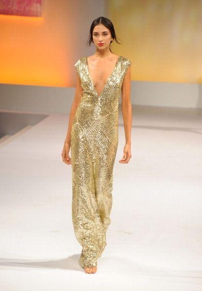 ¡Un vestido en este color te ayudará a derrochar kilates de sensualidad!...