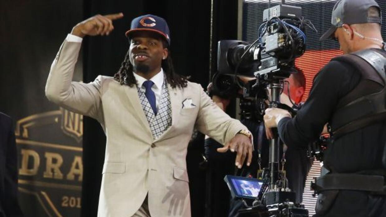 WR Kevin White pick No. 7 global, Chicago Bears (AP-NFL).