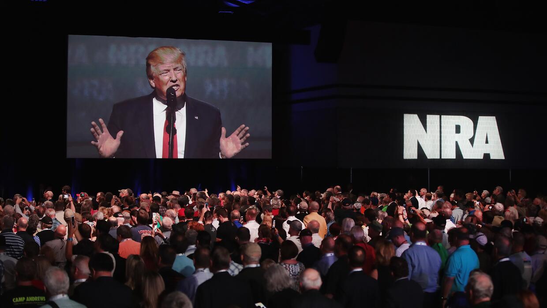 Trump también ha mostrado su apoyo a la Asociación Nacional del Rifle (N...