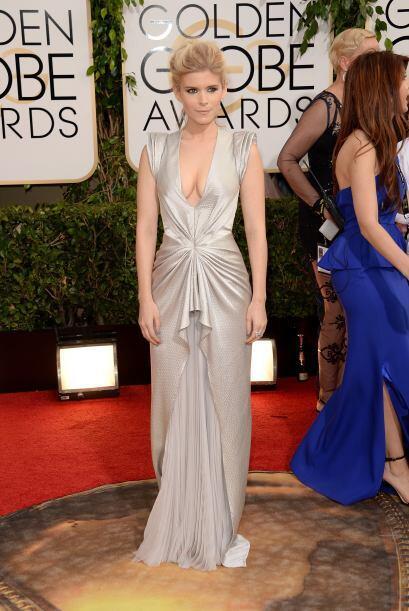 Tremendo escote portó Kate Mara, quien se coló entre las mejores vestida...