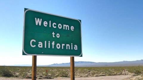Señal en el límite fronterizo  entre Nevada y California en  la ruta 95.