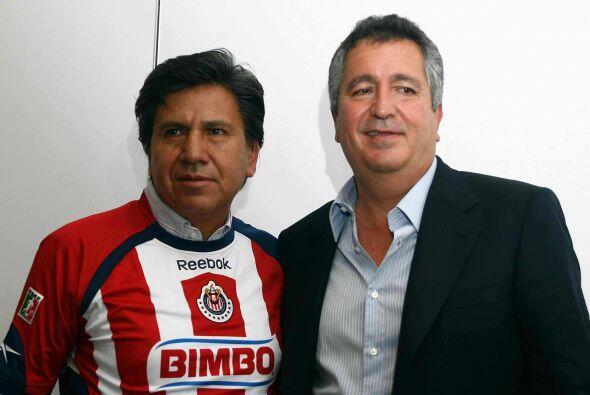 En el 2009 llegaría Raúl Arias a las Chivas prometiendo un...