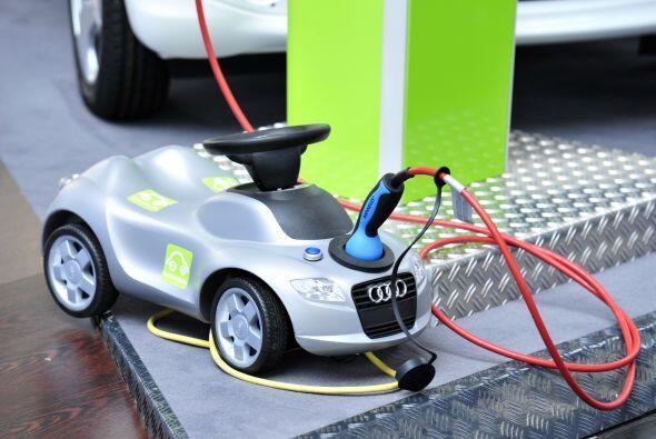 Audi presentó una versión en miniatura de un auto eléctrico para demostr...