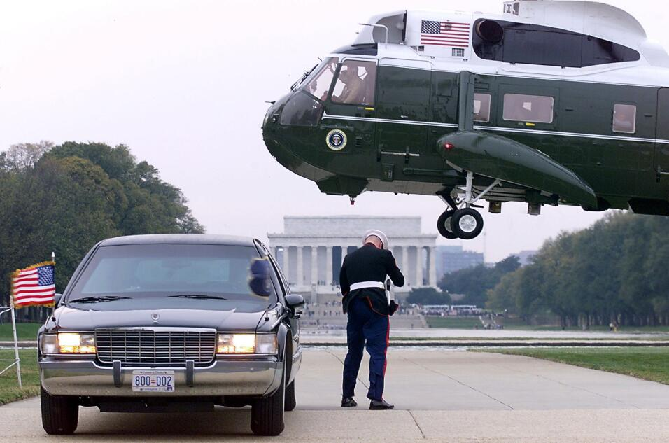 Donald Trump no estrena limusina en su inauguración GettyImages-51533524...