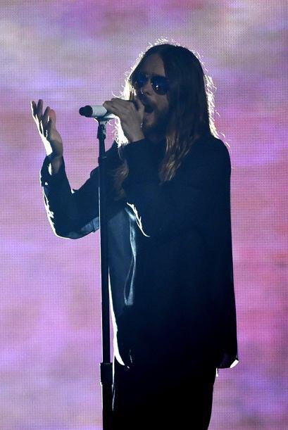 El actor y cantante  Jared Leto compartió el micrófono con...