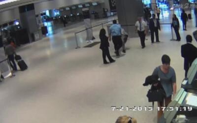 United otra vez en medio de una controversía: un empleado de la aerolíne...