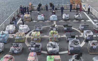 Guardia Costera descargó unas 18.5 toneladas de cocaína en puerto Evergl...