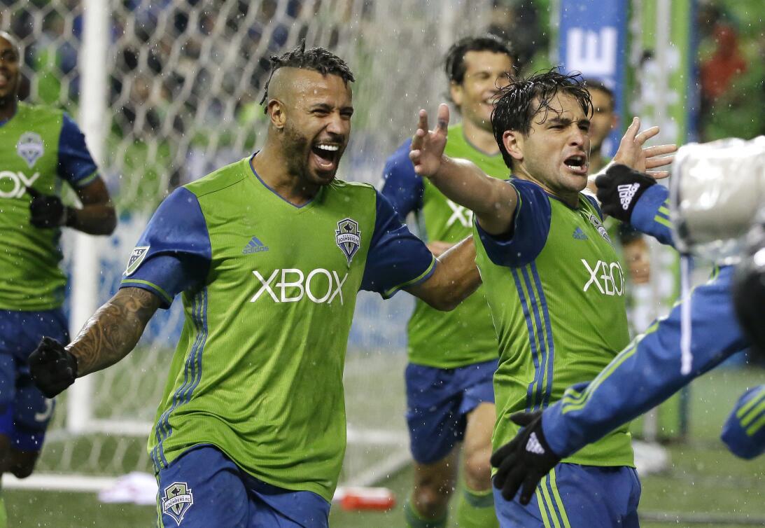 Los colores del fútbol en Seattle en la MLS AP_16328211353624.jpg