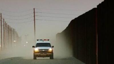 El muro fronterizo con México fue aprobado por el Congreso en 2006 tras...