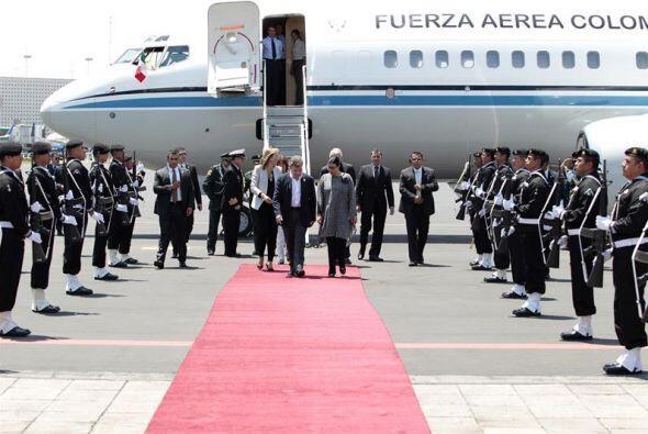En dicho sitio fue recibido por la subsecretaria para América Latina y e...