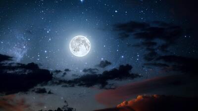 Descubre cómo impacta a tu signo la Luna llena de esta noche