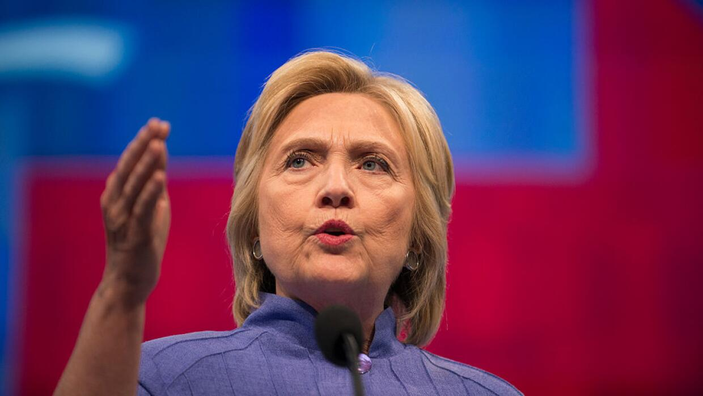 Inmigrantes indocumentados acompañarán a Hillary Clinton e...