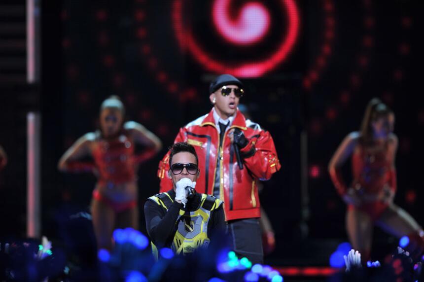 Prince Royce y Daddy Yankee en Premios Juventud