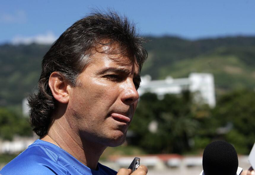 Incluso el ex DT de El Salvador, el mexicano' Carlos de los Cobos , decl...