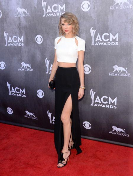 Taylor Switf siempre busca perfección y elegancia en sus 'outfits...