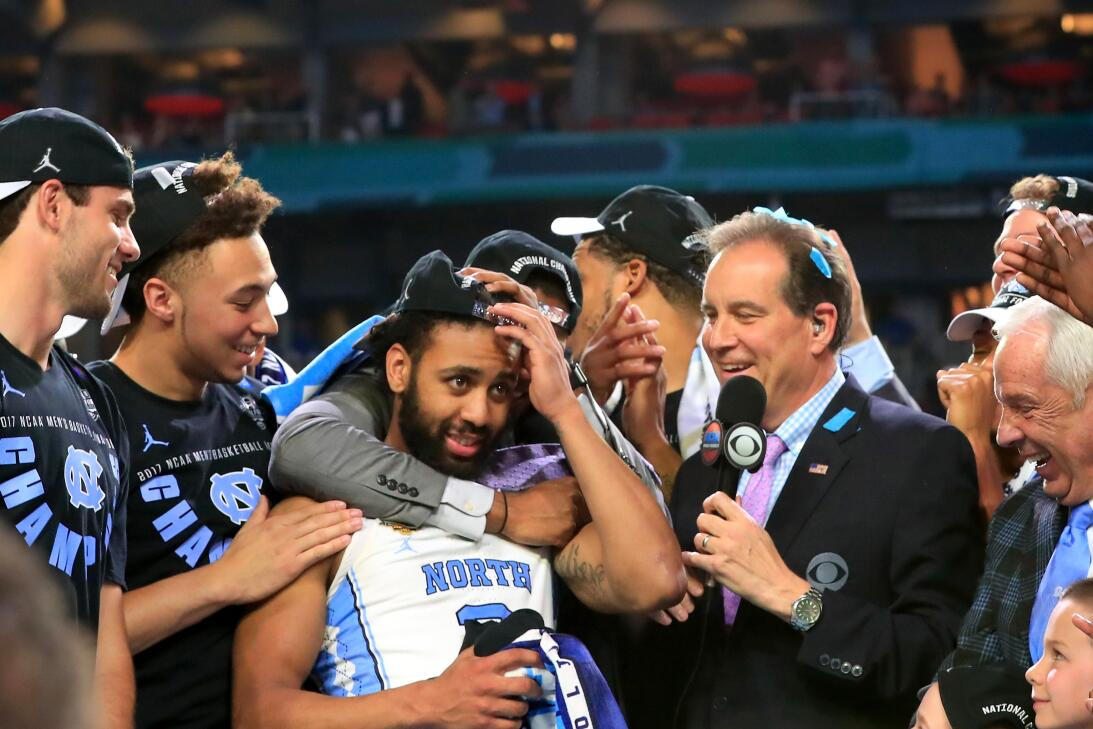 Las caras de los campeones de North Carolina Tar Heels en el básquetbol...