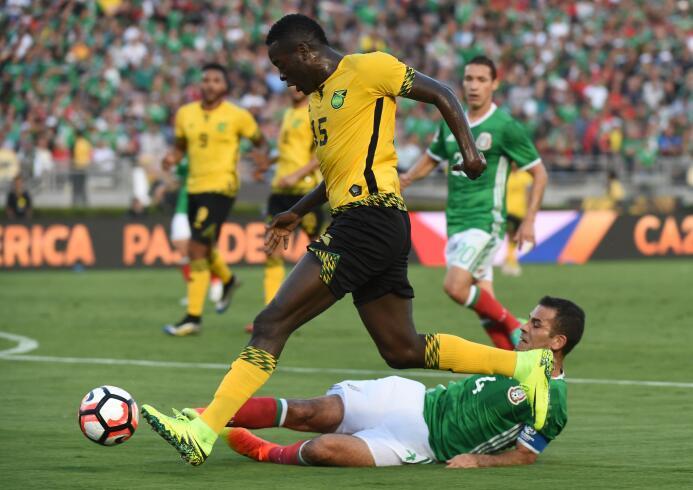 El ranking de los jugadores de México vs Jamaica 49-GettyImages-53913561...