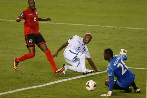 El salvadoreño impactó el balón con una acrobática tijera, a lo que Will...