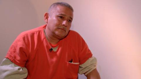 Arrestado por ICE cuando llevaba a su hija a la escuela habla desde su e...