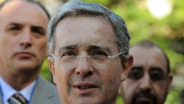 El ex presidente de Colombia, Alvaro Uribe fue denunciado ante la CIDH p...