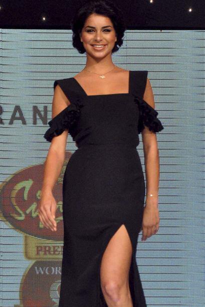 Rima Fakih, ex Miss USA, mantiene su sueño de convertirse en una Diva de...