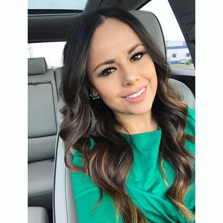 Lorenita, esposa de Isaac Salas de la Adictiva