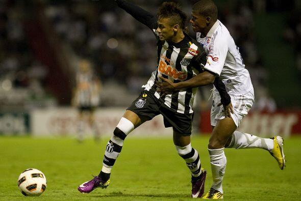 Neymar tuvo una destacada actuación en la victoria mostrando pinc...