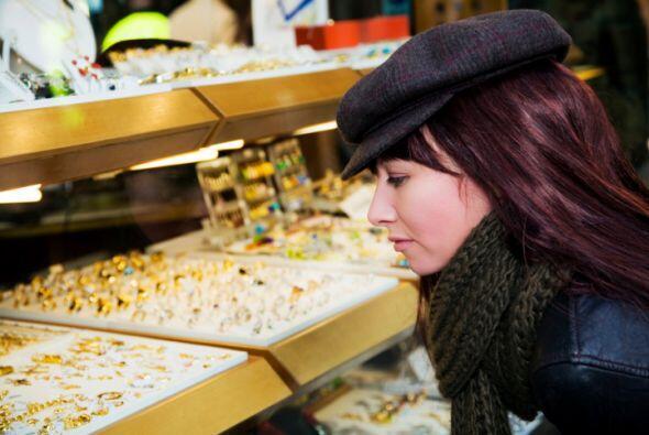 ¿Has adquirido algún objeto de valor, como joyas, obras de arte o equipo...