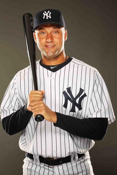 1- ¡Ta, táaaan! Nadie vende más que el capitán de los Yankees Derek Jete...