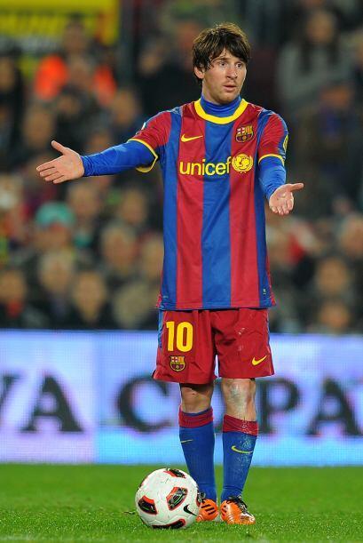 ''Pero por favor'' grita Lionel cuando no le cobran una falta.