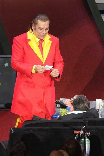 """Ahí le cantó Juan Gabriel un tema especial, y hasta """"El Divo de Linares""""..."""