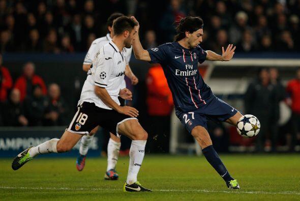 Pero los parisinos, aunque sin un fútbol llamativo, sabían que el pase e...