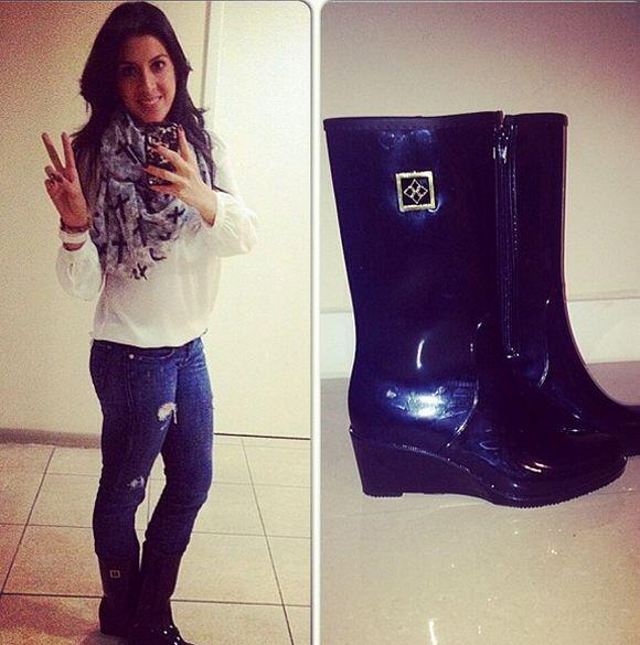 """Para una tarde lluviosa en #Miami: #MilanDAVRainBoot #rainboots #fashio..."