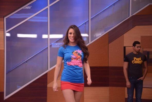 Marlin una  miradita a la cámara y a tus seguidores de Univision.com