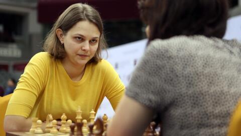 Anna Muzychuk participa en un campeonato de ajedrez en 2016.
