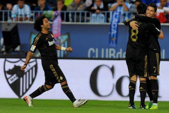 Era fiesta del Madrid, mientras 'Mou' disfrutaba en el banco de suplentes.