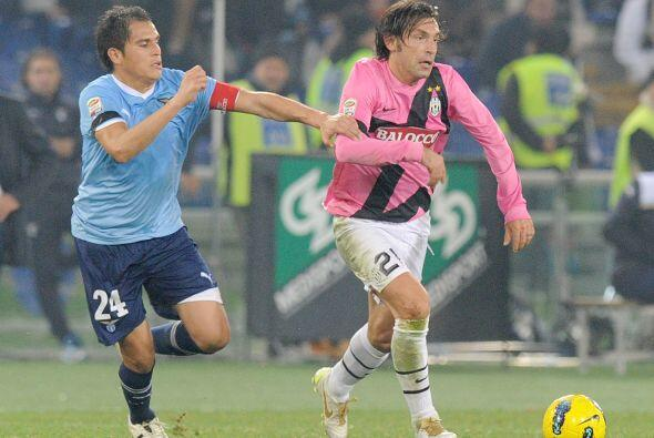 Con su gran liderazgo y toque estupendo, ayuda a la Juventus a que esté...