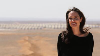 Angelina Jolie visita campamento de refugiados sirios