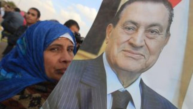 Egipto se mantiene en vilo ante el deterioro de la salud del ex presiden...