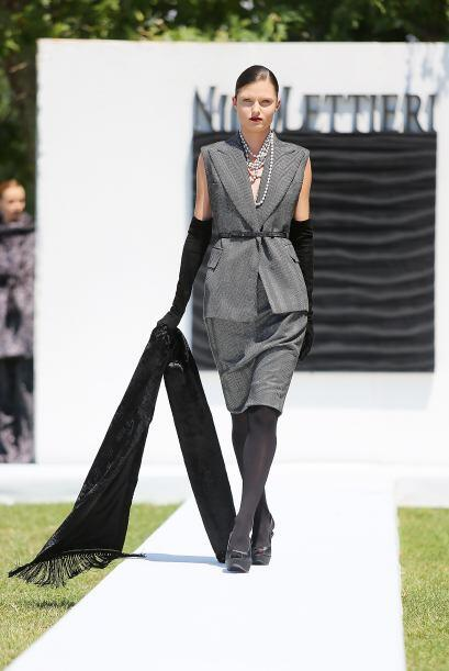 La elegancia y sofisticación van de la mano del gris. Recibe el Año Nuev...