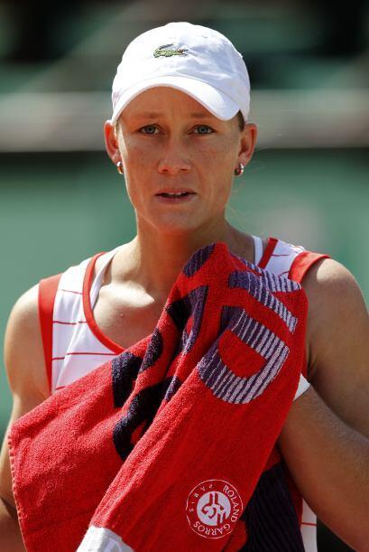 Stosur fue sorprendida por la argentina Gisela Dulko, que ganó en tres s...